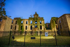 Ruin of Smallpox Hospital on Roosevelt Island (Raphe Evanoff) Tags: nyc sunset summer sky history skyline architecture island twilight ruins manhattan roosevelt queens