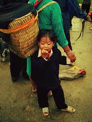 IMGP9353 (crazyycat.0209) Tags: hagiang ethnicmarket dongvan weeklymarket hàgiang chợphiên đồngvăn dântộcthiểusố trẻemvùngcao chợphiênđồngvăn dongvanethnicmarket fivecolorstickyrice