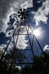 Hacia arriba. (Lautaro Marhetti) Tags: sky cloud sun santafe sol argentina radio nikon cielo nubes 1855mm angular contrapicado granangular nikond3100