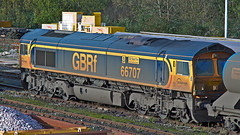 66707 (JOHN BRACE) Tags: 2001 canada west london yard sam great central railway loco tunnel 66 class gb co tonbridge sir seen fay channel built named livery railfreight gmemd 66707