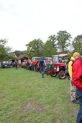 Traktoren in Reih und Glied