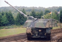 "Panzerhaubitze 2000  10 • <a style=""font-size:0.8em;"" href=""http://www.flickr.com/photos/81723459@N04/23588090670/"" target=""_blank"">View on Flickr</a>"