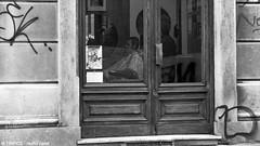 il barbiere riflesso (TIMPICE) Tags: street city girls portrait people woman dog dogs girl cane torino persona donna strada persone fujifilm turin rosso bianco ritratto nero biancoenero x30 ragazza citt cani blackewhite