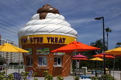 Twistee Treat (SeeMidTN.com (aka Brent)) Tags: restaurant orlando florida fastfood fl kissimmee wafflecone twisteetreat us192 bmok