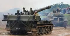 East vs. West - M110A1 203-mm self-propelled howitzer (USA) (Jukka O. Kauppinen's dump pit) Tags: tankfest wargaming thetankmuseum bovington worldoftanks tanks parhaus reissussa juhannus soviet us usa oldtanks britain england uk m110 artillery spg coldwar east west vietnamwar iraq
