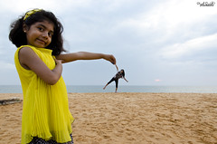 Ta da... :) (Piyush.Saxenaa) Tags: trip trivandrum india nature beach water sky yellow art people family clouds new smile natural picture flickr nikon d5100 piyush piyushsaxena psphotography 18105 18105mm piyushsaxenaa sand trick trickphotography perspective