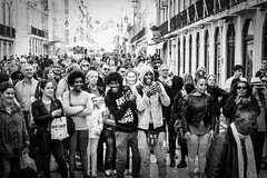 Smiles (dbrugman) Tags: fujifilm xt1 lisbon lisboa portugal city monochrome bw street performer smiles hapiness joy friends rua augusta