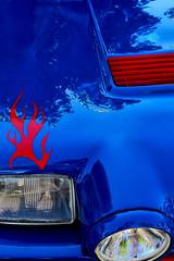 Le capot bleu (jjcordier) Tags: bleu rouge capot couleur phare détail