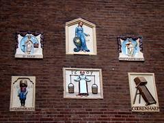 History in Amsterdam (Sereiazinha Si) Tags: amsterdam holanda europa placa casa museu museum profissão job historia history sociedade vida social trabalho arquitetura netherlands
