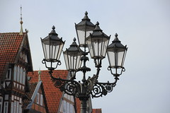 Laternen in Celle (Wallus2010) Tags: celle germany canon eos550d sigma 18250 travelzoom altstadt fachwerk marktplatz laterne guseisenlaterne strasenlaterne licht lampe