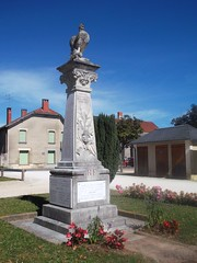 86-Archigny* (jefrpy) Tags: vienne poitou monumentauxmorts guerrede1418 warmemorial ww1 france