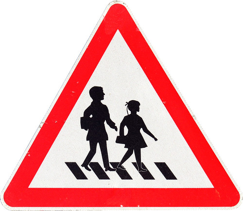"Warning Sign ""Children"" in Istanbul (AP4M2811 1PSP)"