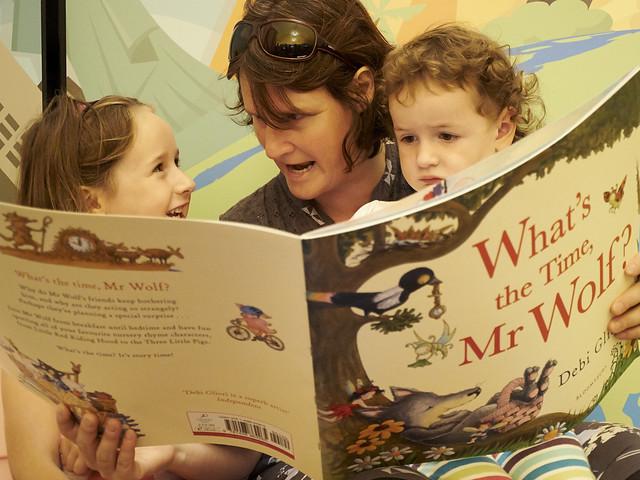Reading with mum