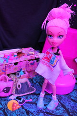DYE! DYE! (padme9990) Tags: new pink ladies woman hairdye girl make up fashion lady hair photography shoes doll neon die dolls pastel over makeup clothes teen 80s teenager salon makeover dye brats 90s bratz cloe 2000s 2015 00s