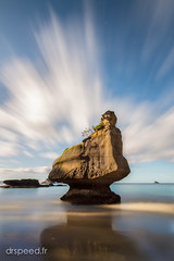 Weird Rock! (dr speed) Tags: new sunset sunrise canon pose landscape cove ngc zealand nz 7d paysages coromandel cathdral longue nd400 oceanie drspeed drspeedfr