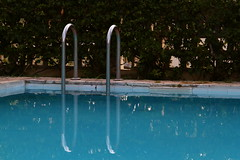 Quiet at last (Olivier Monbaillu) Tags: canon atardecer evening havana cuba piscina swimmingpool soir piscine lahabana monbaillu santamaradelmar lahavane eos7d villalospinos
