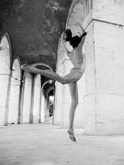 when the soul plays 9 (paxt) Tags: bw blancoynegro beauty mujer model funny slim top olympus teen gymnastics segovia soul pax moya brunette patricia aro aranjuez gimnasia rhythmic ritmica strobist paxt