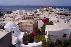 Naxos - Chora - Vue de la terrasse de Despina's rooms (luco*) Tags: old city temple view room greece vue grèce chora ville cyclades naxos apollon vielle kyklades hellada despinas palatia