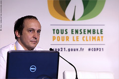 La 21e Conférence des Parties / COP 21 - Paris 2015 IMG151210_126_S.D/S.I.P_Compression700x467 (Sébastien Duhamel) Tags: copyright news paris france french europa europe european newmedia eu agency canon5d press information fr francia challenge prensa fra photojournalist informacion presse fnh climat climatic addictedtoflickr fotoperiodista flickrsbest fotoreportero photojournaliste golddragon ultimateshot flickrdiamond bancodeimagenes goldstaraward thebestofday rubyphotographer flickrlovers fondationnicolashulot médiapart flickroom cop21 flickrhivemindgroup reporterphoto footagestock projetnicolashulot banqued'images journalistephoto projetcop21 mobilisationpourleclimat cop21paris2015 pourleclimat mobilizationclimatic thepariscommittee