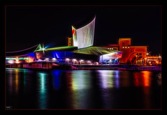 Imperial War Museum (Kevin, from Manchester) Tags: architecture building canal canon1855mm england greatermanchester kevinwalker lancashire longexposure manchester manchestershipcanal marina night northwest salfordquays thewaterside water waterfront waterways museum