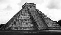 348/366 - Wonder (Esko) Tags: 2016 december 366 365 366project 365project 366challenge 365challenge wonder chichenitza maya mayan blackandwhite bw history