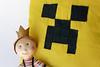 R (Canela Cheia) Tags: almofada artesanato black boy brincar brinquedo criança decorations decoração gift green handmade kids menino minecraft patchwork pillow play presente preto rapaz retalhos toy verde