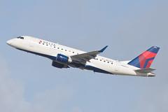 Delta Connection (Compass Airlines) Embraer ERJ-175 N623CZ (jbp274) Tags: lax klax airport airplanes compassairlines compass cp embraer erj175 e175 deltaconnection
