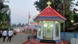 little-flower-church-poochinnipadam-thrissur-thirunal-01