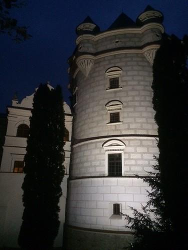 Baszta Królewska nocą