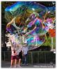 Farben in den Park (Olivia Heredia) Tags: park summer nature colors switzerland suisse bubbles verano zürich 1exp schweis oliviaheredia wasserkanal oliviaherediaotero