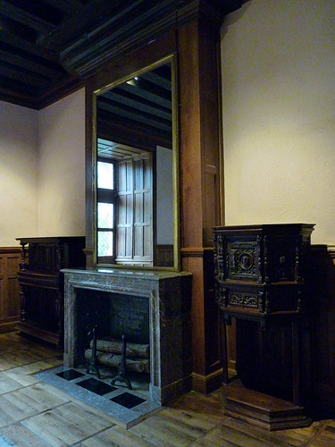 Loire Valley - Azay-le-Rideau chateau, dining room (2)