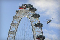 Chinook Eye (96tommy) Tags: uk england london eye plane army photography photo force britain air united great transport royal kingdom helicopter transportation gb chinook rare raf