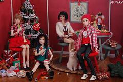 'Tis the Season with the Momokos (APPark) Tags: dolls dioramas 16scale momokos christmas cookies lacymodernist preppygirl snowwhite lazyseventeen cats
