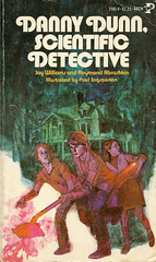 Novel-Scientific-Detective-by-Danny-Dunn (Count_Strad) Tags: novel book pages read reading pulp mystery suspense thriller