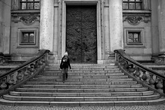 Monochrome world (Daniel Nebreda Lucea) Tags: monochrome monocromo monocromatico black white blanco negro lines lineas architecture arquitectura building construccion edificio church iglesia temple templo stairs escaleras down bajar girl woman mujer chica texture textura canon 60d travel viajar berlin mitte germany alemania old viejo antiguo history historia composition composicion capture captura door puerta windows ventanas geometria geometry perspective perspectiva street calle city ciudad urban urbano textures texturas stone piedra beautiful bonito