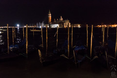 impressioni di viaggio: gondole di notte (anaguma shashin o toru) Tags: viaggio reisebilder tableaux voyage travel venezia venice