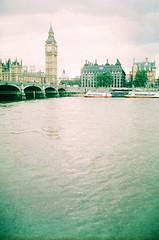 (oh it's amanda) Tags: ricohff1 london londonengland 35mm xpro crossprocessed fujisensia400 expiredfilm expirationdateunknown bigben riverthames southbank