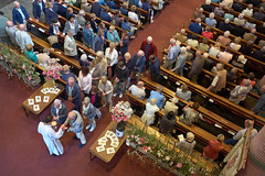 Holy Communion, Laurentiuskerk, Heemskerk, 2016 (pmhudepo) Tags: laurentiuskerk communie communion stlawrence kerk kerkdienst leicamptyp240 leicasummicronm352asph church churchservice