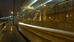 2-es villamos jön (bencze82) Tags: budapest magyarország hungary duna danube donau night este éjszaka city lights fények kivilágítás cityscape canon eos 700d voigtländer colorskopar 20mm 2es villamos fővám tér corvinus közgáz sóház tram