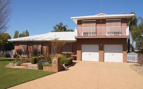 13 Burke Street, Finley NSW 2713