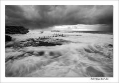 Violent (jongsoolee5610) Tags: seascape sea wave maroubra sydney sydneyseascape australia