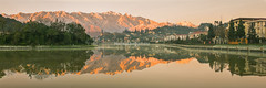 K9889-91.1213.Sapa.Lào Cai (hoanglongphoto) Tags: asia asian vietnam northvietnam northwestvietnam outdoor landscape scenery vietnamlandscape vietnamscenery vietnamscene panorama morning sunrise nature snow town sapatown lake water lakesurface reflection canon canoneos1dsmarkiii tâybắc làocai sapa thịtrấn thịtrấnsapa buổisáng bìnhminh tuyết hồ nước mặthồ soibóng phảnchiếu mountain núi hoanglienmountain hoàngliênsơn sierra dãynúi zeissdistagont235ze côngtrìnhxâydựng