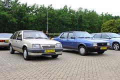 1990 Seat Malaga GLX + 1987 Opel Ascona E1.6N Hatchback (Dirk A.) Tags: onk yr07th sidecode4 rx56vb