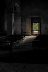 Pieve di Corsignano - un'interpretazione dell'interno (Alberto Cameroni) Tags: leica pienza interno romanico pieve navata penombra pievedicorsignano chiesaromanica leicaxtyp113