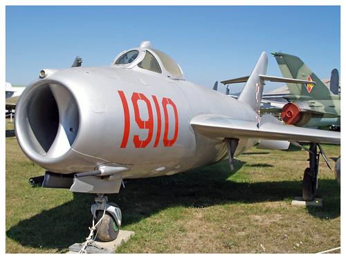 MIKOYAN-GUREVICH MIG-17 'FRESCO'