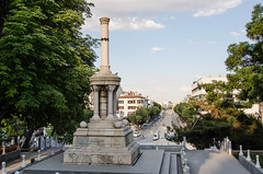 Konya - Alaaddin Tepesi Monument Looking Along  Mevlna Caddesi (Le Monde1) Tags: monument turkey nikon islam sultan turkish dervish anatolia tepesi moslem whirlingdervishes alaaddin sinanpasha d7000 lemonde1 hasanpasha mevlnacaddesi fatmahtun