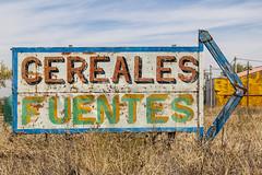 Cereales  Fuentes (hfotoh) Tags: cereal anuncio amarillo campo cereales letrero venta cartel castilla flecha