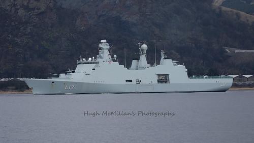 HDMS Esbern Snare (L17)