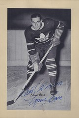 1934-43 NHL Beehive Hockey Photo / Group I - LORNE CARR (Right Wing) (b. 2 Jul 1910 - d. 9 Jun 2007 at age 96) - Autographed Hockey Card (Toronto Maple Leafs) (#304 / SP) (Baseball Autographs Football Coins) Tags: hockey beehive 1934 1967 19341967 groupi groupii groupiii woodgrain torontomapleleafs bostonbruins newyorkrangers montrealcanadiens chicagoblackhawks detroitredwings montrealmaroons newyorkamericans card photos hockeycards brooklynamericans lornecarr