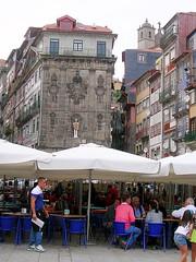 Porto - Ribeirinha (ohaoha) Tags: city portugal europa europe downtown restaurants unesco porto altstadt portuguese oldcity cafs huser citycape unterstadt gaststtten staadt woldheritage portugiesisch ribeirinha sdeuropa unescoweltkulturerbe unescowoldheritagesite southerneuropa